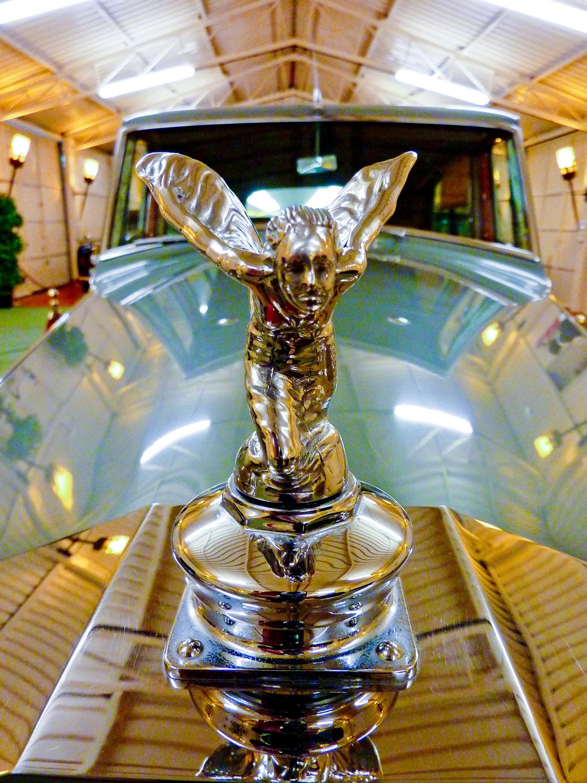 El Espíritu del Extasis, Torre Loizaga, Rolls-Royce