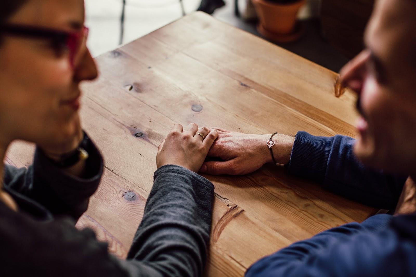 Tips Menghadapi Pasangan Over Protective