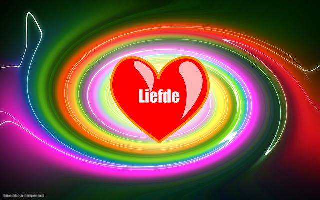 Mooie kleuren en rood liefdes hartje met de tekst liefde