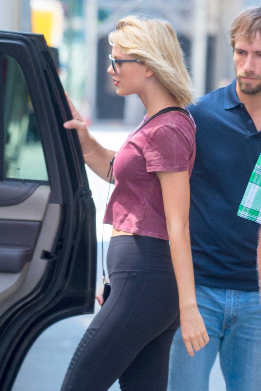 Taylor Swift Hot Photo Gallery