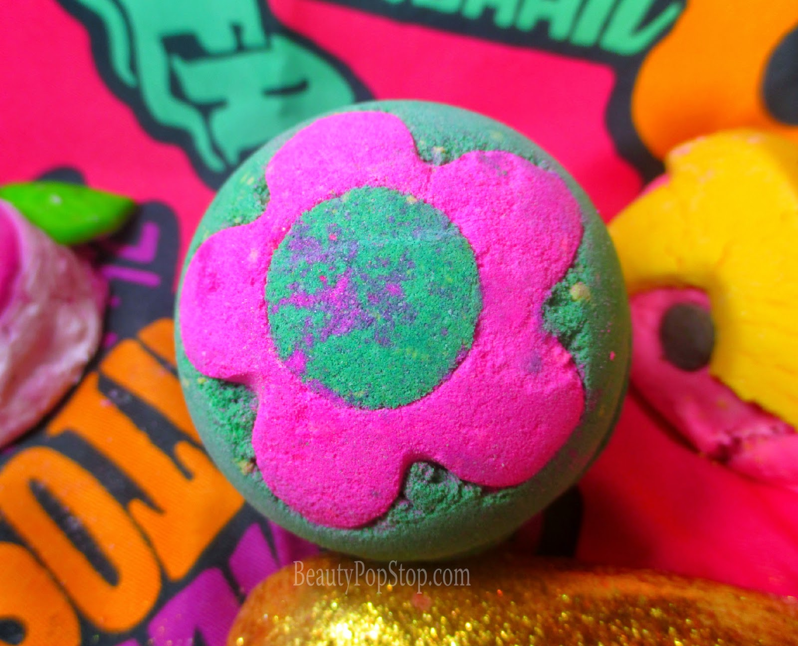 lush secret garden bath bomb review