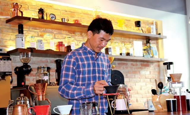Ông chủ Shin Coffee - Nguyễn Hữu Long
