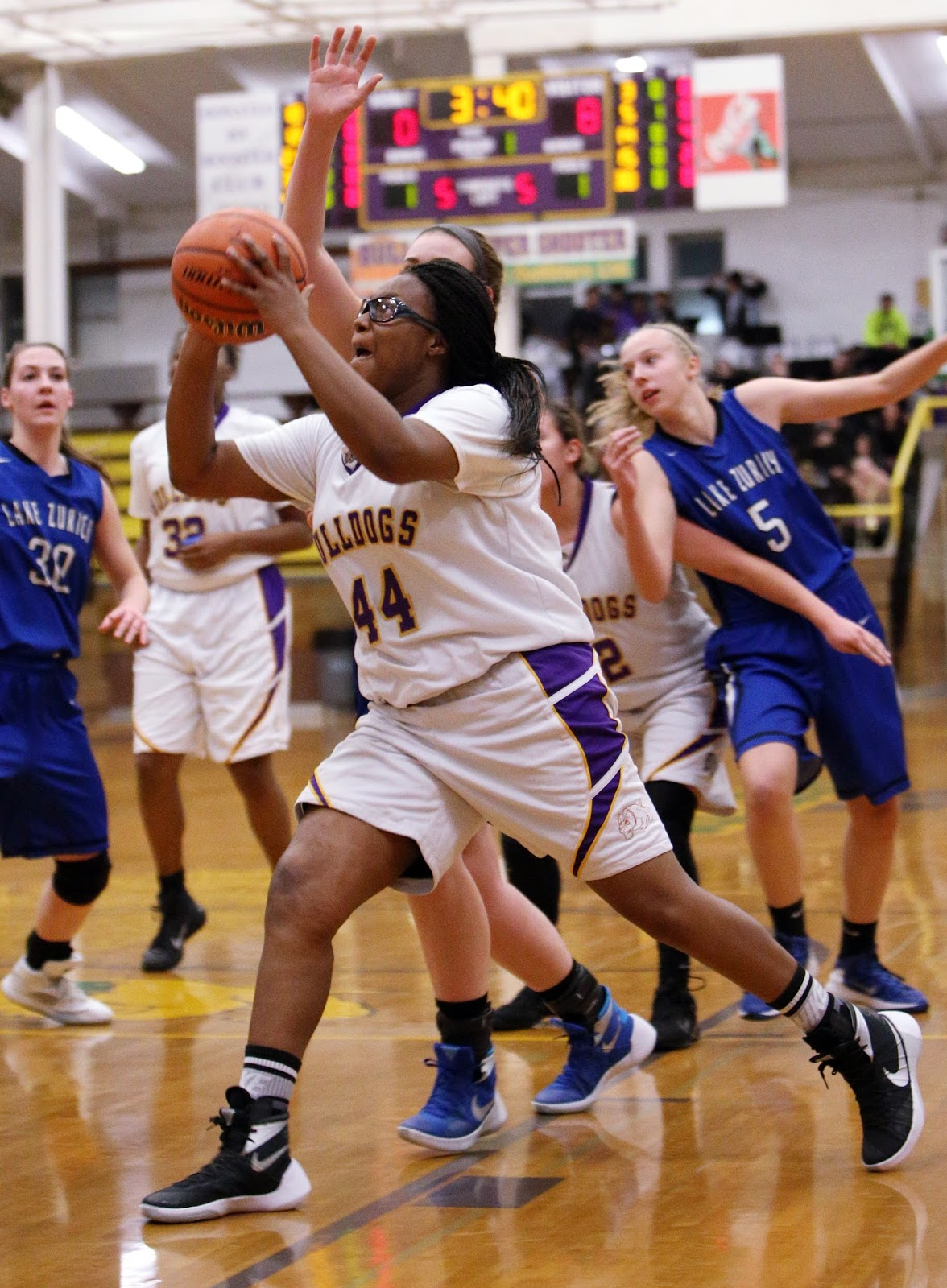 waukegan girls One day shootouts youth basketball tournaments for boys and girls.