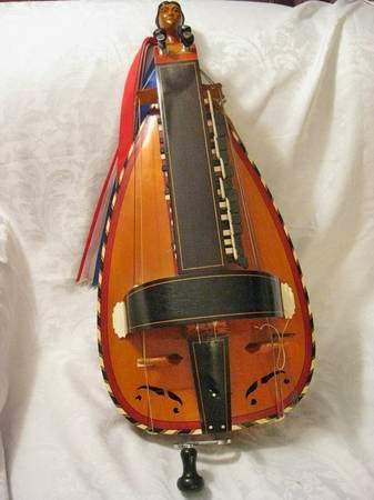 Hurdy Gurdy Weekly • #HGWeekly: SOLD • Boudet Lute Back C/G