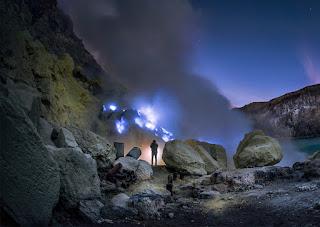Kawah Ijen atau Blue Fire