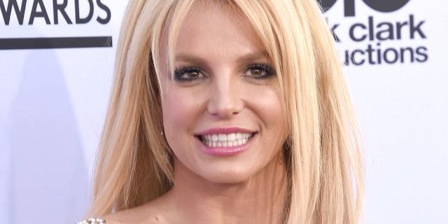 Presidente de RCA Records dice que está impresionado por la voz de Britney Spears en su nuevo sencillo.