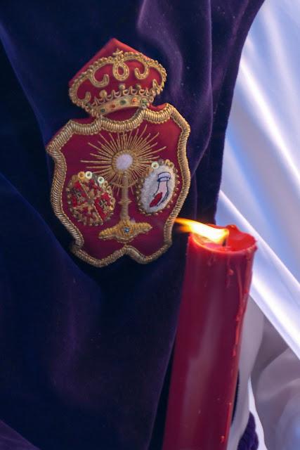 Escudo hermandad Madrugá Semana Santa Sevilla