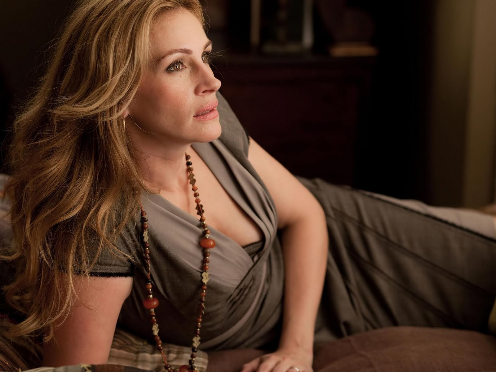 Julia Roberts Hot Wallpapers | | sexy plus size dresses