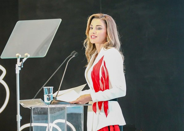 Queen Rania wore F.R.S For Restless Sleepers Green Crane Print Duster Coat