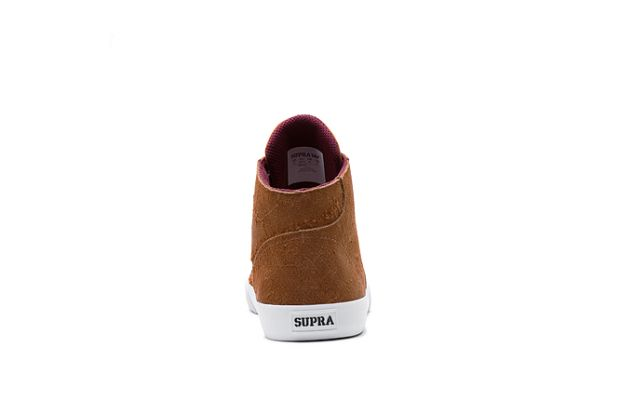 64ccdeb1f1a9 ... additional offset comes in the form of the white midsole. Outdoor-style  laces accompany the Supra set to round out the iteration