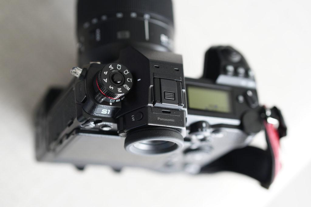 Диск выбора режимов съемки в камере Panasonic Lumix S1