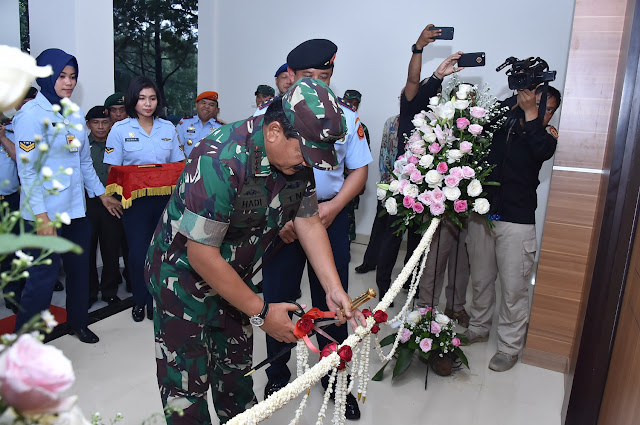 Panglima TNI Resmikan Gedung Leo Wattimena