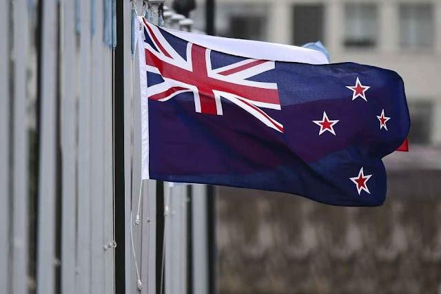 A Nova Zelândia votou pela bandeira tradicional ligada a Elizabeth II, rainha do país