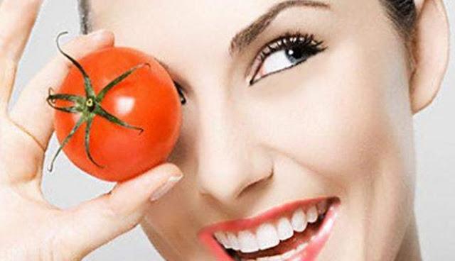 Rutin konsumsi tomat lawan penuaan