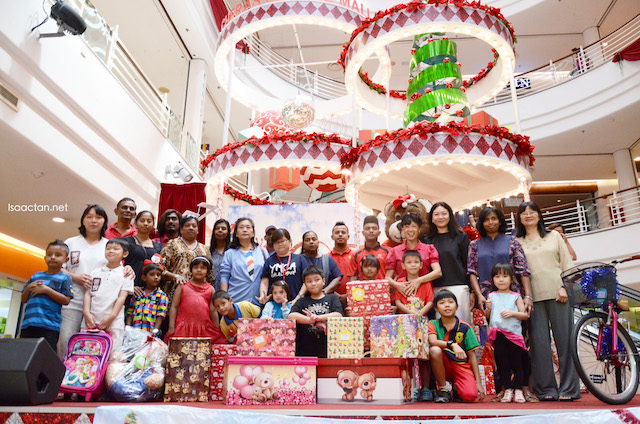 Cheras Leisure Mall - Toy Bank 2015, A Gift Of Love Community Programme