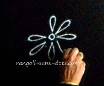 making-basic-rangoli-2411a.jpg