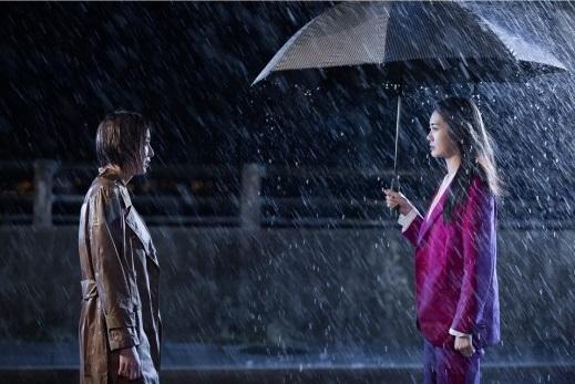 《不夜城》線上看劇照公開李枖原、U-IE雨中對峙