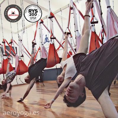 yoga aereo, aeroyoga, air yoga, profesorado, cursos, formacion, teacher training, fly, flying, columpio, hamaca, trapeze, gravity, coaching, rafael martinez, anti, age