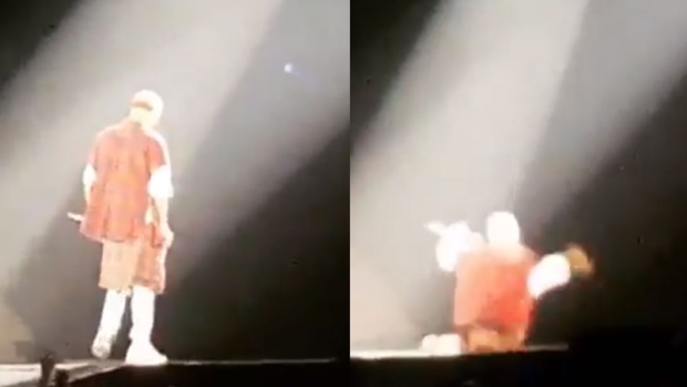 Justin Bieber Fall Off The Stage During a Concert in Canada Last Night