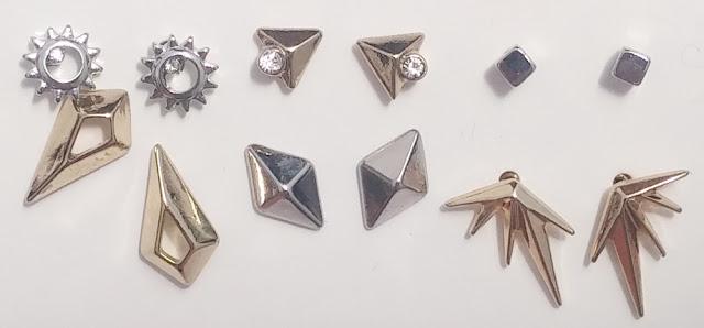 H&M: Conjunto de 6 pares de brincos.