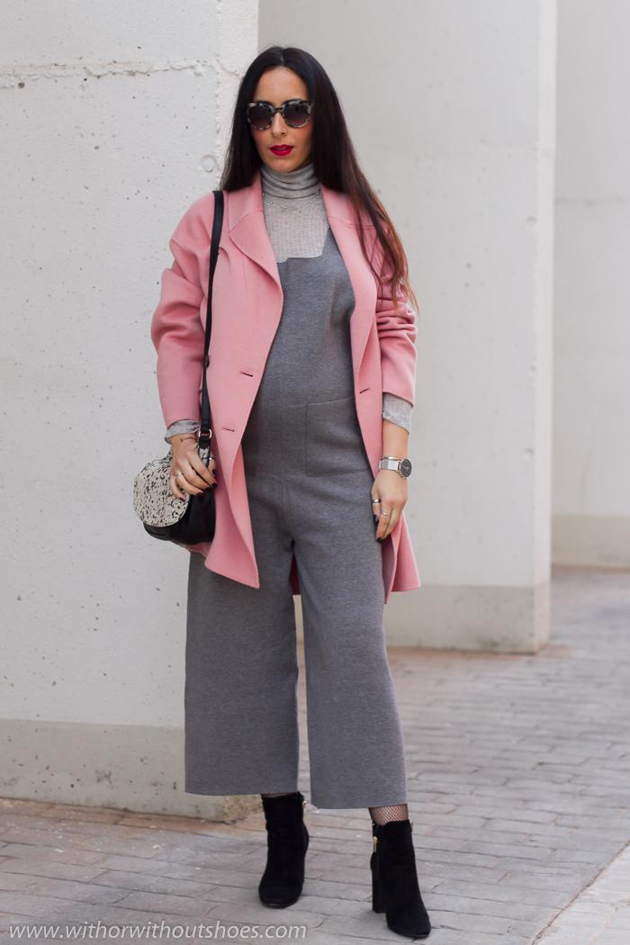 Los mejores looks para embarazadas con abrigo rosa de Zara