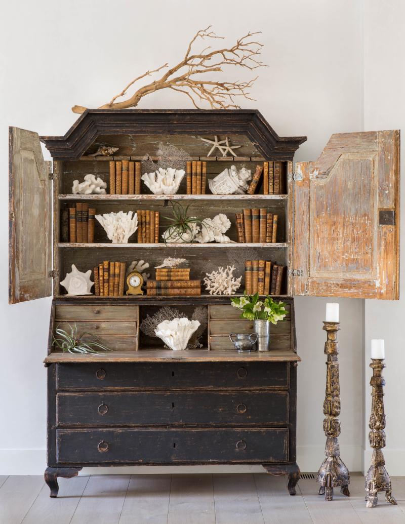 Inspiring interior design by Giannetti Home - found on Hello Lovely Studio
