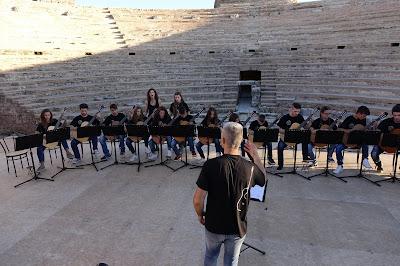 """ΒΙΝΤΕΟ-""""Ξενιτεμένο μου πουλί """",στο Ρωμαϊκό θέατρο Νικόπολης"""