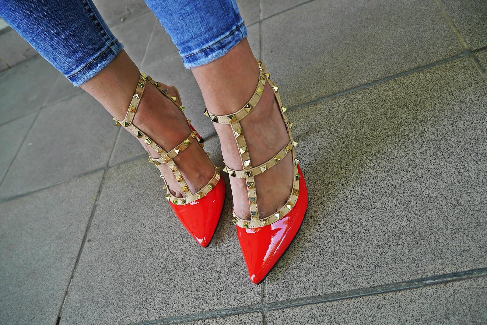 czerwone szpilki z ćwiekami blue pearl renee spodnie jeansowe karyn blog modowy