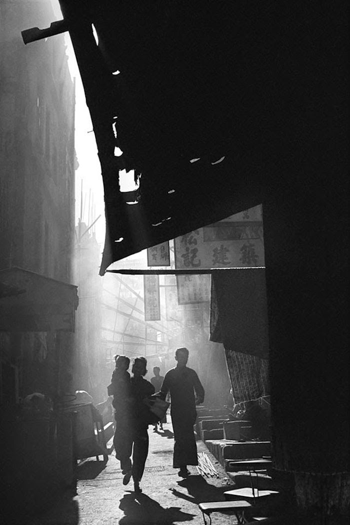 20 Breathtaking Black And White Photos Of Hong Kong From