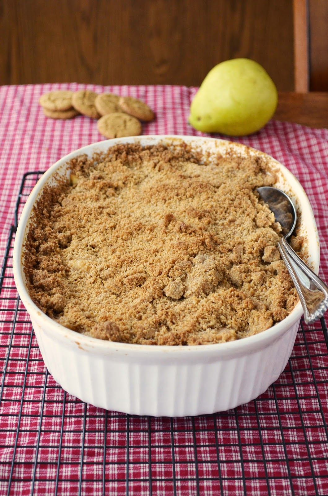 Our Beautiful Mess: Pear, Cranberry, and Gingersnap Crumble