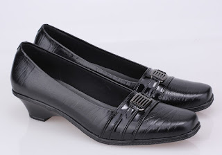 sepatu kerja wanita,grosir sepatu kerja murah,grosir sepatu pantofel kulit,sepatu kerja cibaduyut murah,sepatu kantor wanita modis,sepatu guru wanita murah kulit,sepatu heels kerja hitam