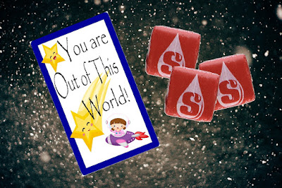 Share a fun Secret Sister gift with your friends or bring a smile to a co-workers face with this free printable treat tag.  Remind someone special that they are out of this world with a bag of candy and this fun tag.