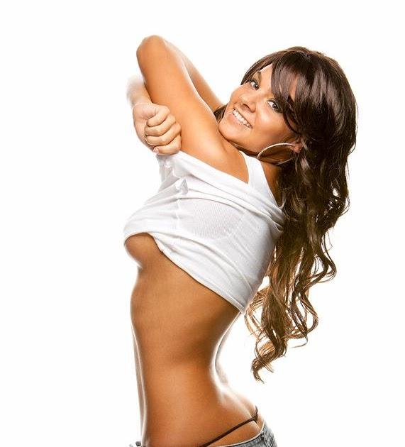 Susana reche striptease from unknown tv prog 10