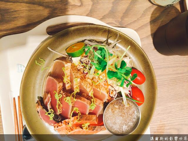 【台北美食】Pokeholic波奇哈客@天啊!台北也吃得到道地的夏威夷Poke生魚片蓋飯‧什麼還有日式半敲燒與創新臭豆腐!?(已歇業)