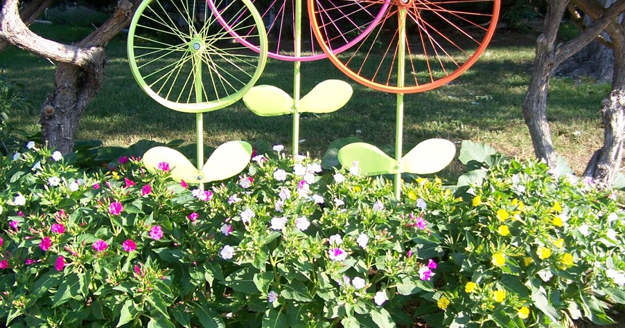 The Hanky Dress Lady Bicycle Wheel Garden Art Steel