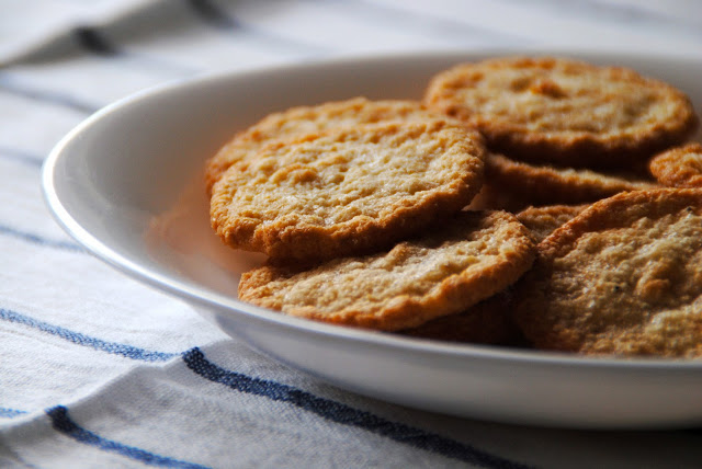 Havreflarn: galletas crujientes de avena suecas