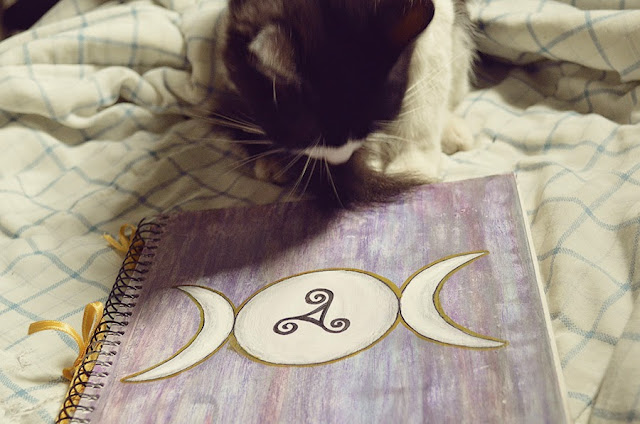 DIY: Grimório (Book of Shadows) Artesanal