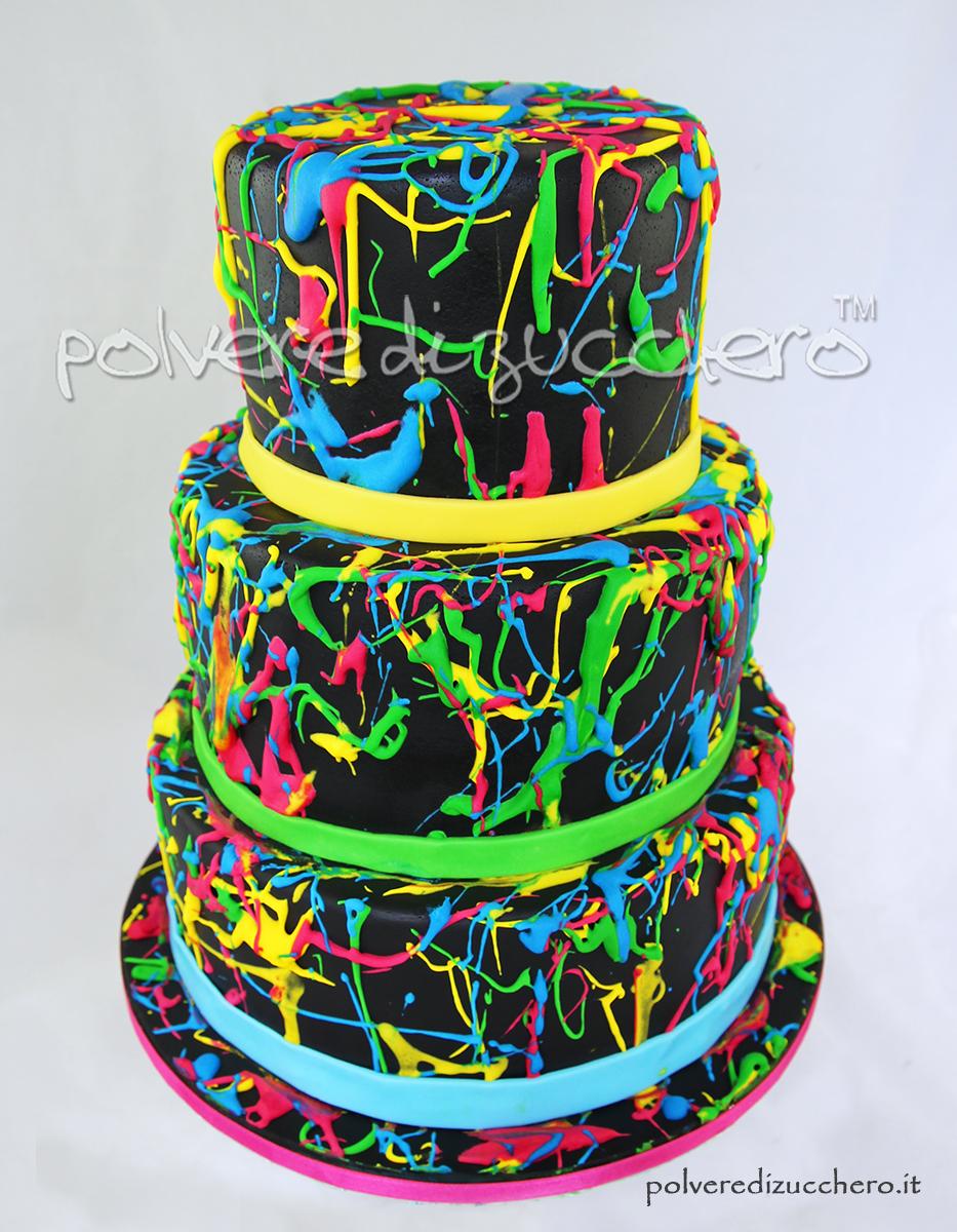 Torta e cupcakes fluo torta decorata con gli schizzi o splatter