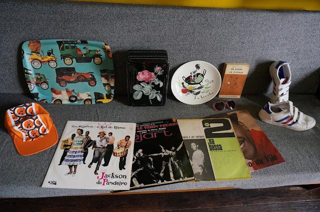 """une casquette du """" petit tour de France """" , des disques ( Pierre Henry -  Messe pour le temps présent , 1967 enfin en excellent  état , Jackson Do Pandeiro -  Sua Majestade - O Rei Do Ritmode 1960 ,  Martinho Da Vila de 1969 , Elis Regina E Jair Rodrigues – 2 Na Bossa de 1965 )"""