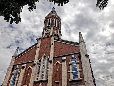 Католическият храм