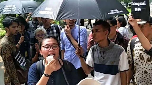 Hadir di Komnas HAM, Wapres JK Diteriaki Demonstran: Rezim Pengecut!