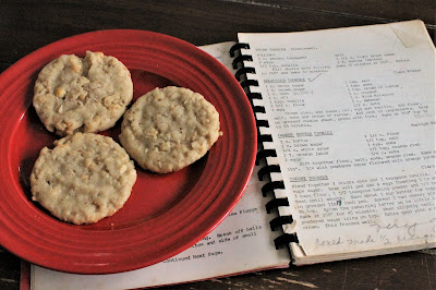 Delicious Cookies - a Church Cookbook Favorite from 1976