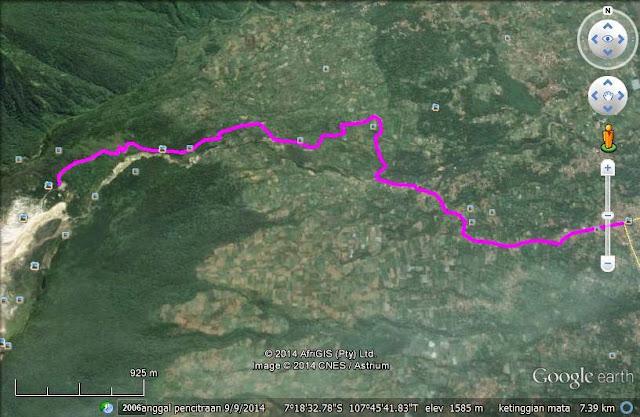 Rute dari Pertigaan Cisurupan ke parkiran Camp David sejauh 8,2 km