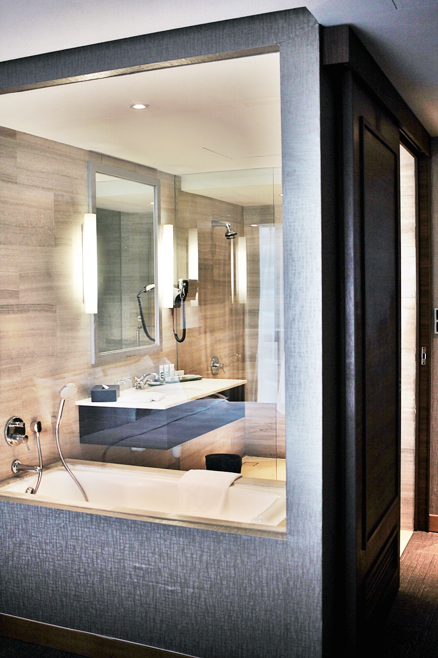 bathroom windown luxury hotel in singapore great design