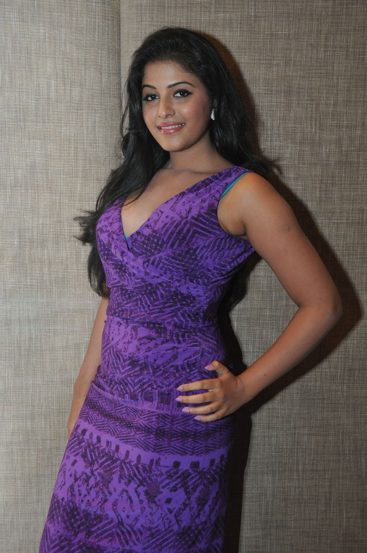 Sublime Anjali looking hot & spicy in blue latest hot pics collectoin