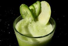 فوائد عصير التفاح الأخضر مع الخيار والليمون صحى ومفيد جداً للصحة العامة