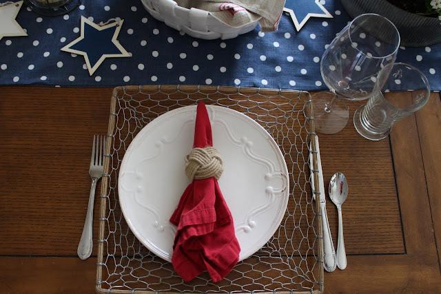 maison-de-cinq-patriotic-tablescape-3