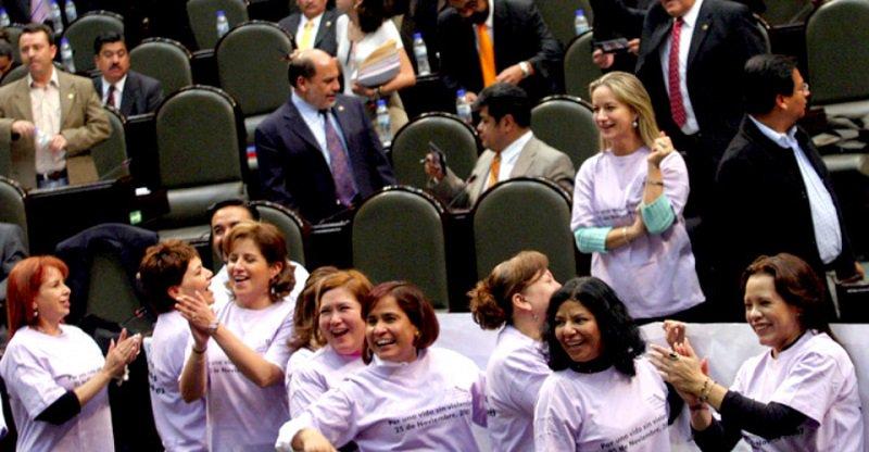 México pasa del lugar 14 al 3 en presencia de mujeres senadoras en el mundo