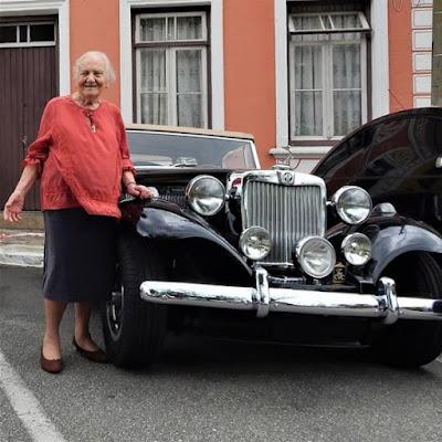 Irene Fernandes Trajano (98 anos) e seu MP Lafer 1974.