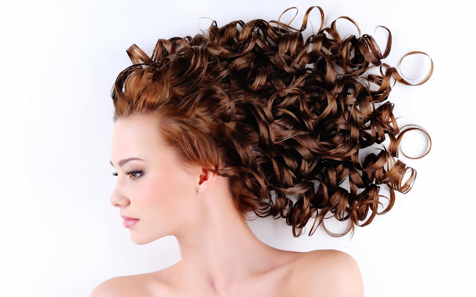 Sognare di tingersi i capelli colorati